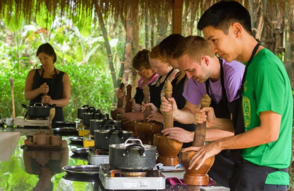 HALF DAY KHMER COOKING CLASS AT TREAK VILLAGE (JOIN IN)
